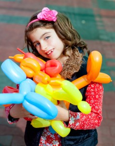 balloon twisting art children happy